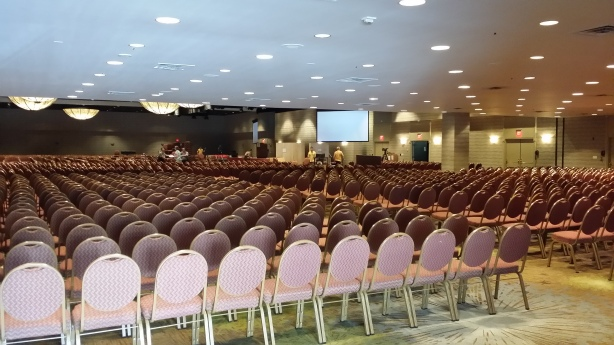 Later that night the lights were brought down and this California Ballroom was filled with 3,000 singing, dancing, chanting and meditating SRF practitioners.